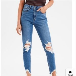 American Eagle high rise MOM JEAN size 2!